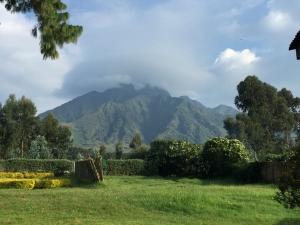 5 Days Safari Rwanda Mountain Hiking Tour